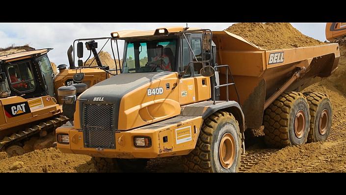 Spie Batignolles Valerian -Chantier CDG express - Mitry Mory - version longue Opération coup de poing sur le chantier du CDG express zone G et H